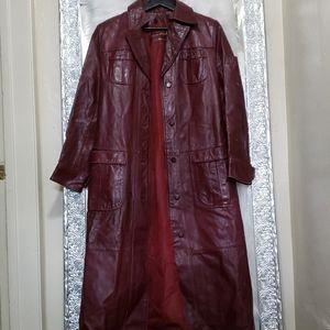 1970s vintage Etienne Aigner trench coat
